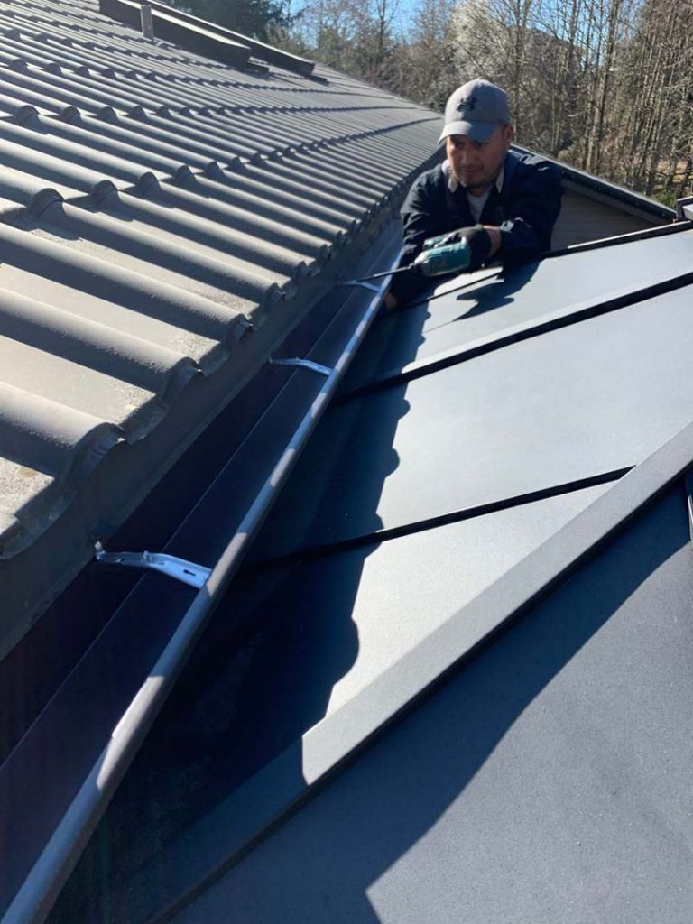 Gutter-Installation-Seattle-WA-768x1024.jpg