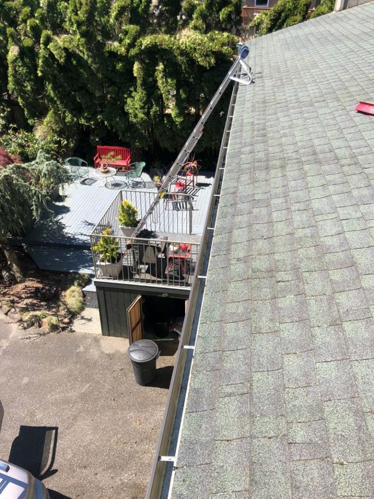 Gutter-Cleaning-Vancouver-WA-768x1024.jpg