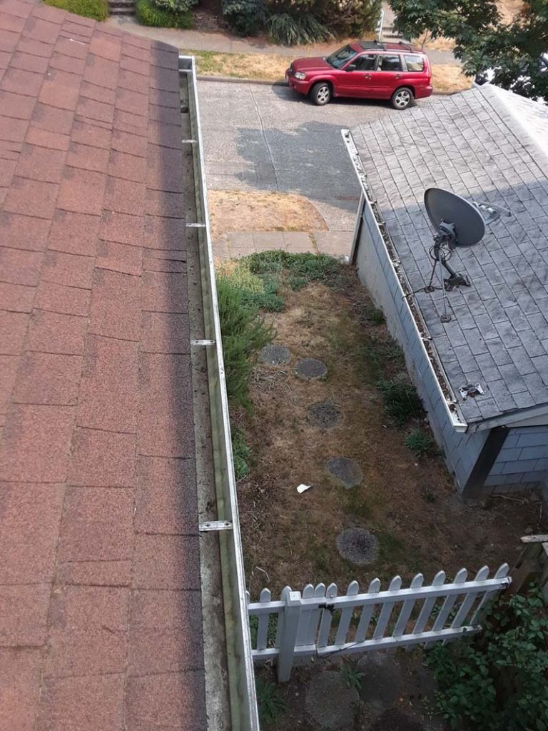 Gutter-Clearing-Vancouver-WA-768x1024.jpg