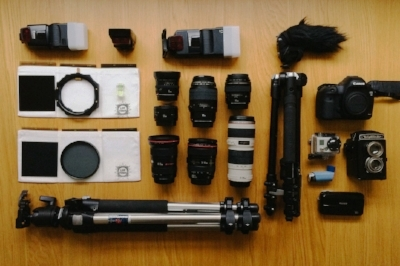 The Essential Pro Equipment - What kit do you really need to get that great shot? Take a closer look at what PROs are using to produce those stunning images.