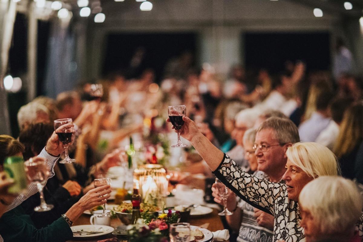 Wedding-Table-Cheers.jpg
