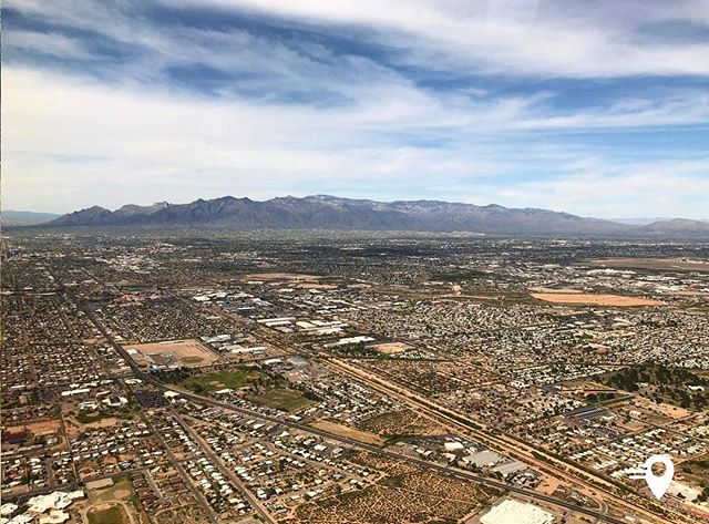 View from my window ✈️ Tucson, Arizona 🇺🇸 #frequentflyer #traveltheworld #imabouts #app #travelphotography #travel #lovetotravel #tucson #arizona #view #viewfromabove #windowseat #nature #travelphotography