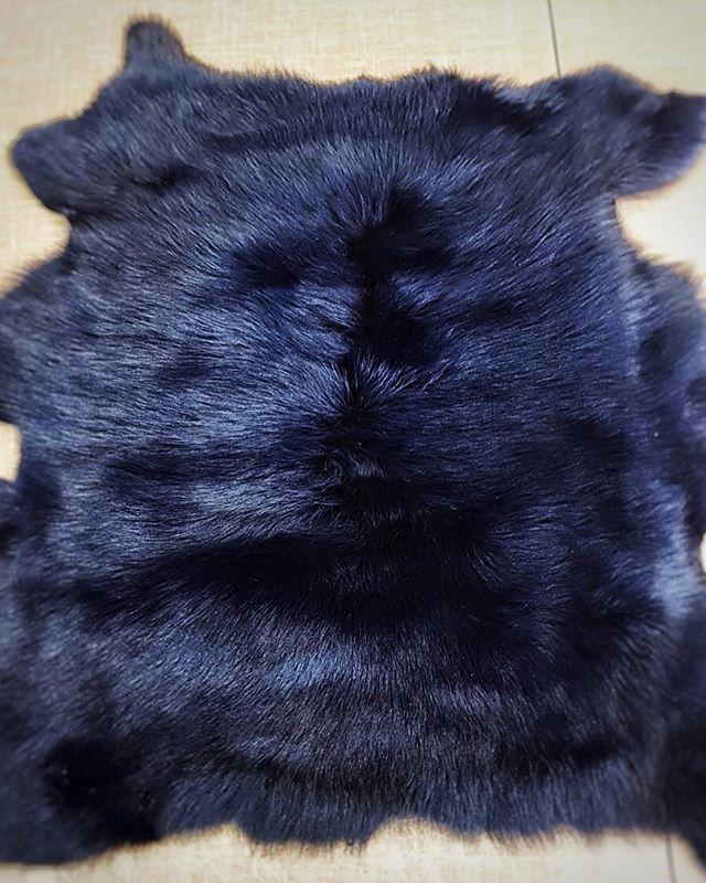 Bespoke dyed blue fur #bespoke #glamour ⠀⠀ #fur #furlover #blues #delicate #igcaptions #igdaily #fashionnova #rebeccabradleylondonfur