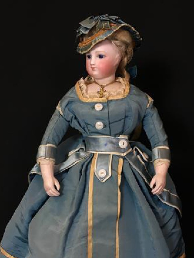 invaluable-vintage-porcelain-dolls-types-v2.jpg