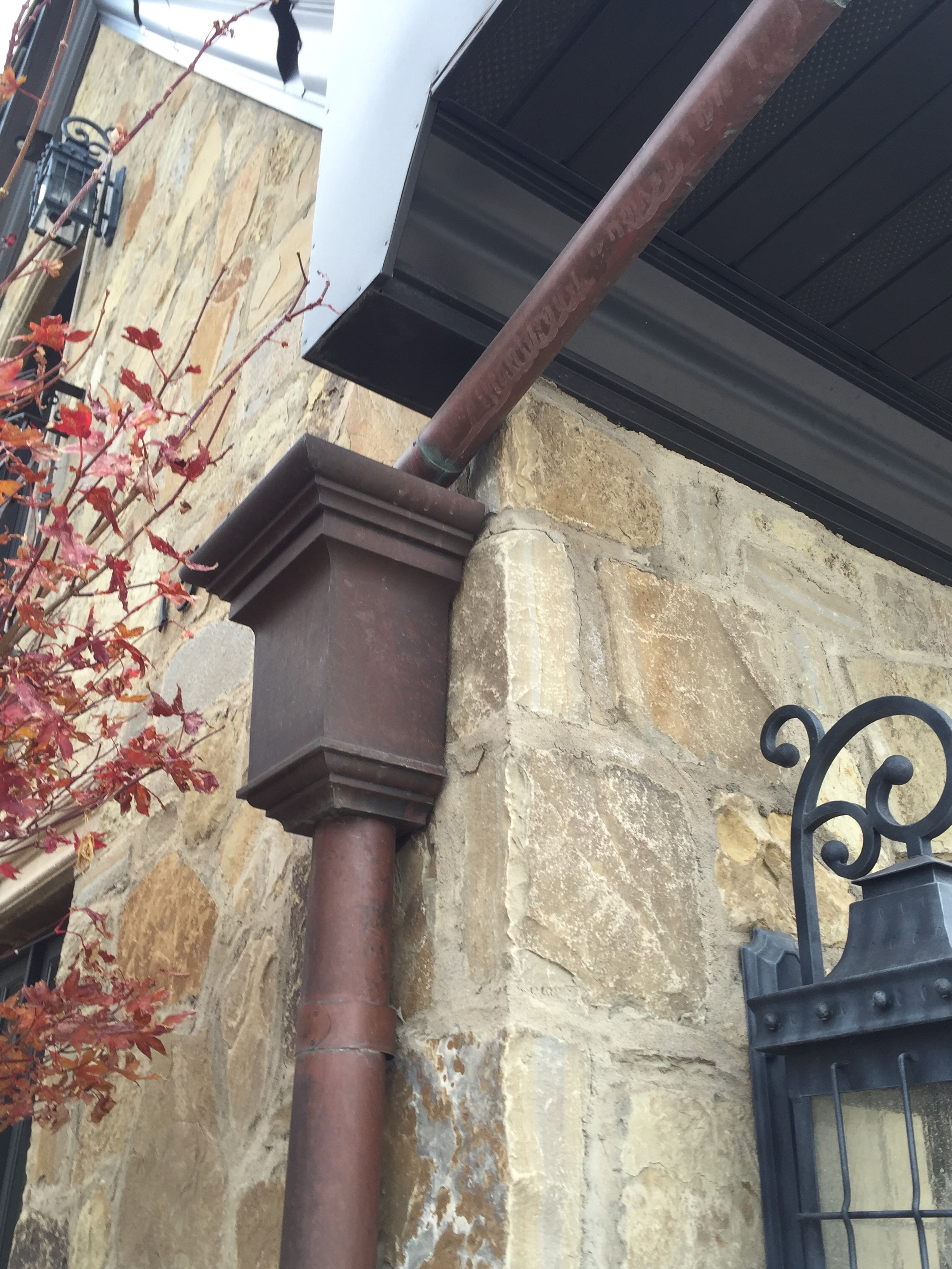 Aluminum crown molding, copper rain gutter and collector box