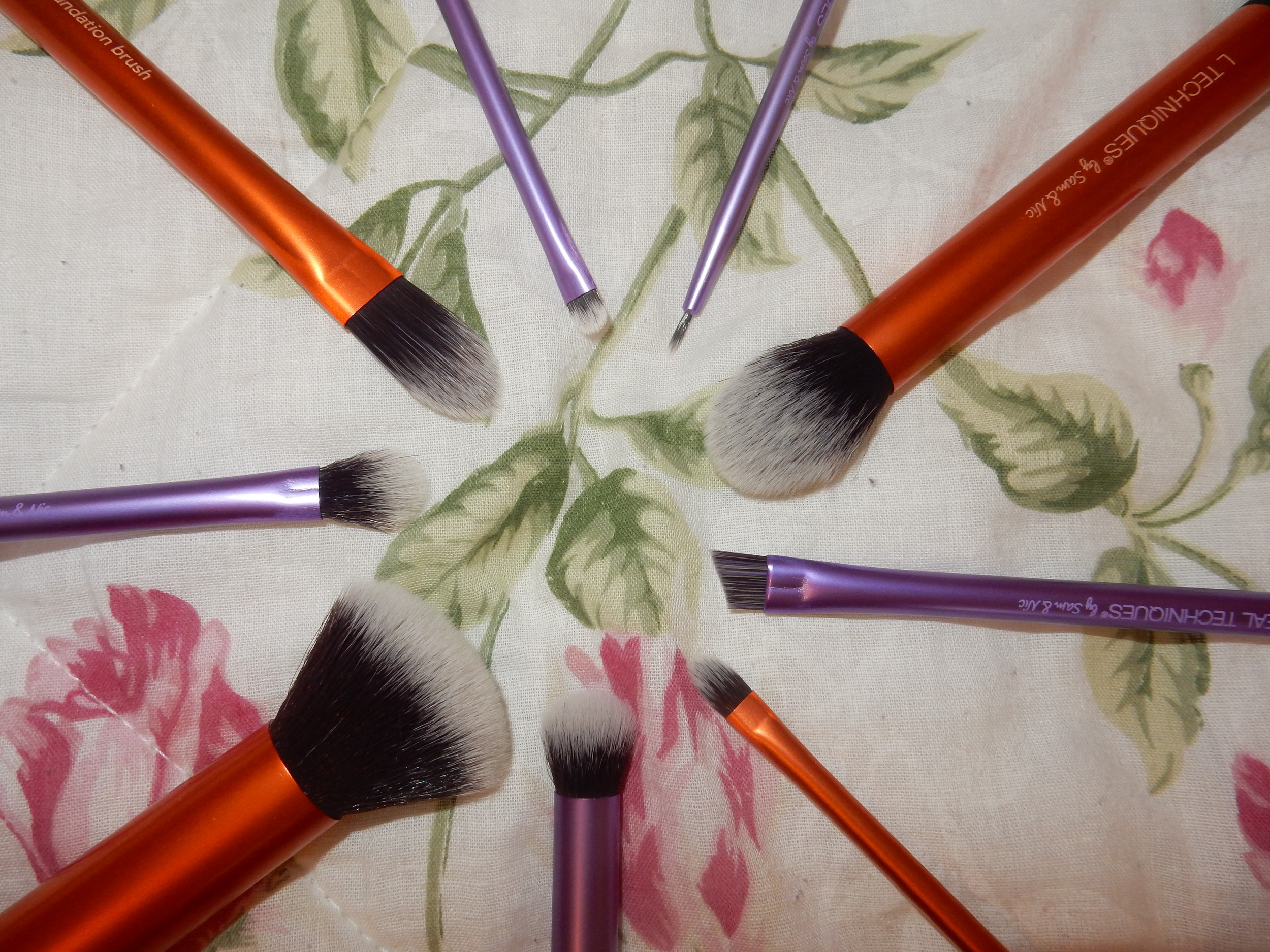 beauty blogger reviews real technique brushes