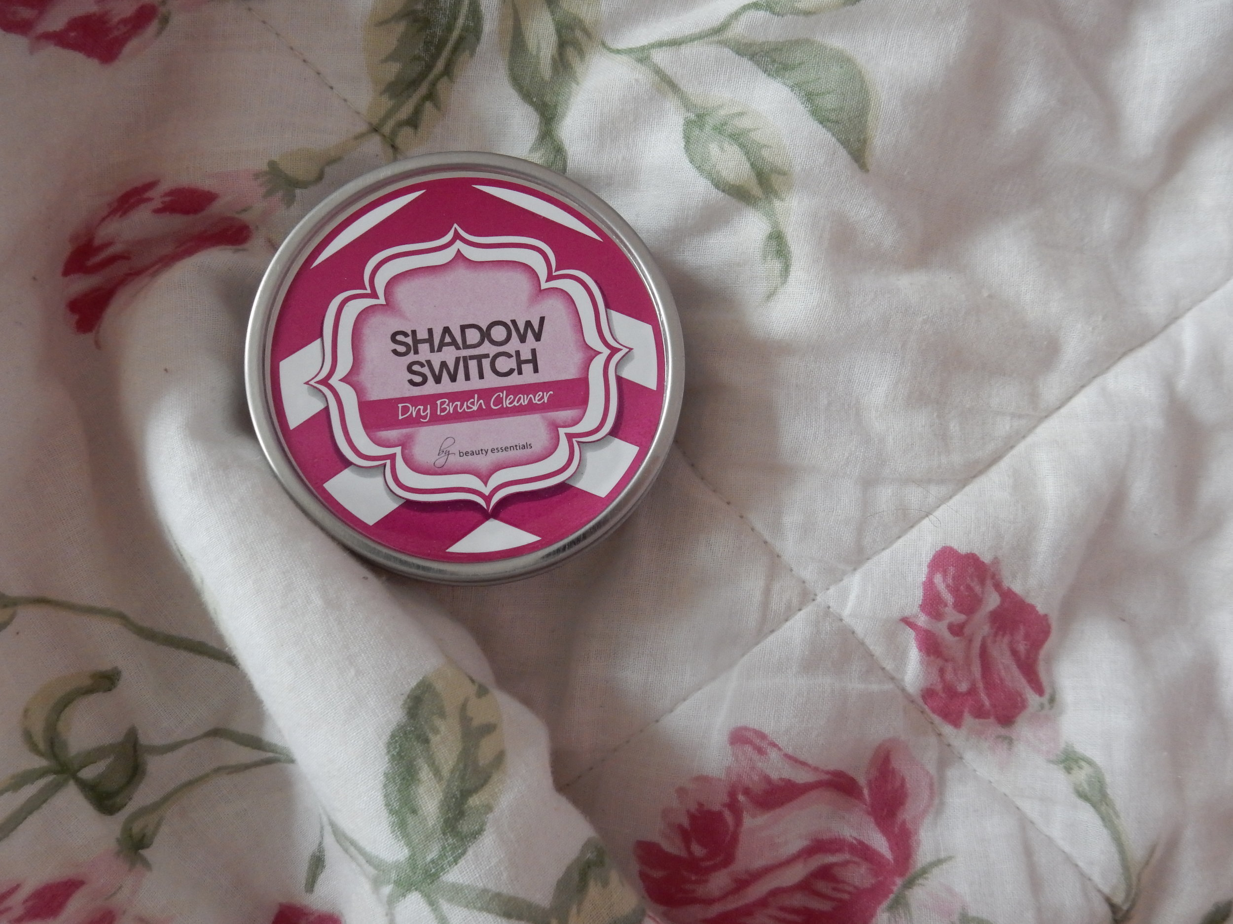 beauty blogger shadow switch review