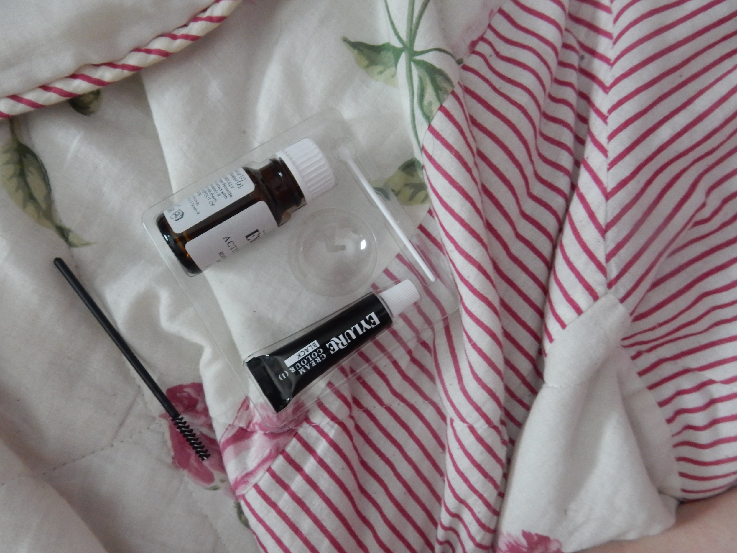 beauty blogger eylure dybrow brow kit review
