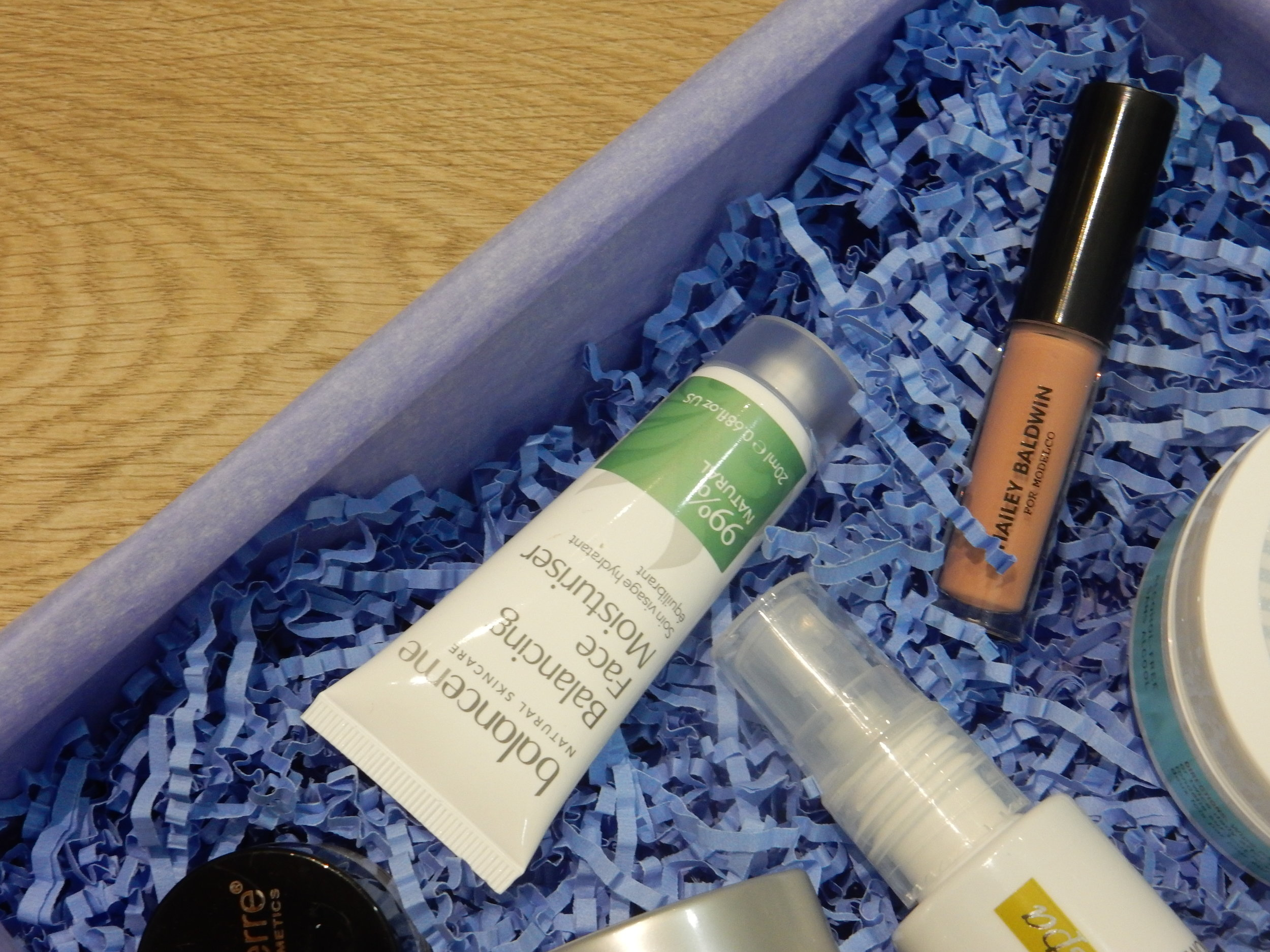 look fantastic unboxing beauty blogger review