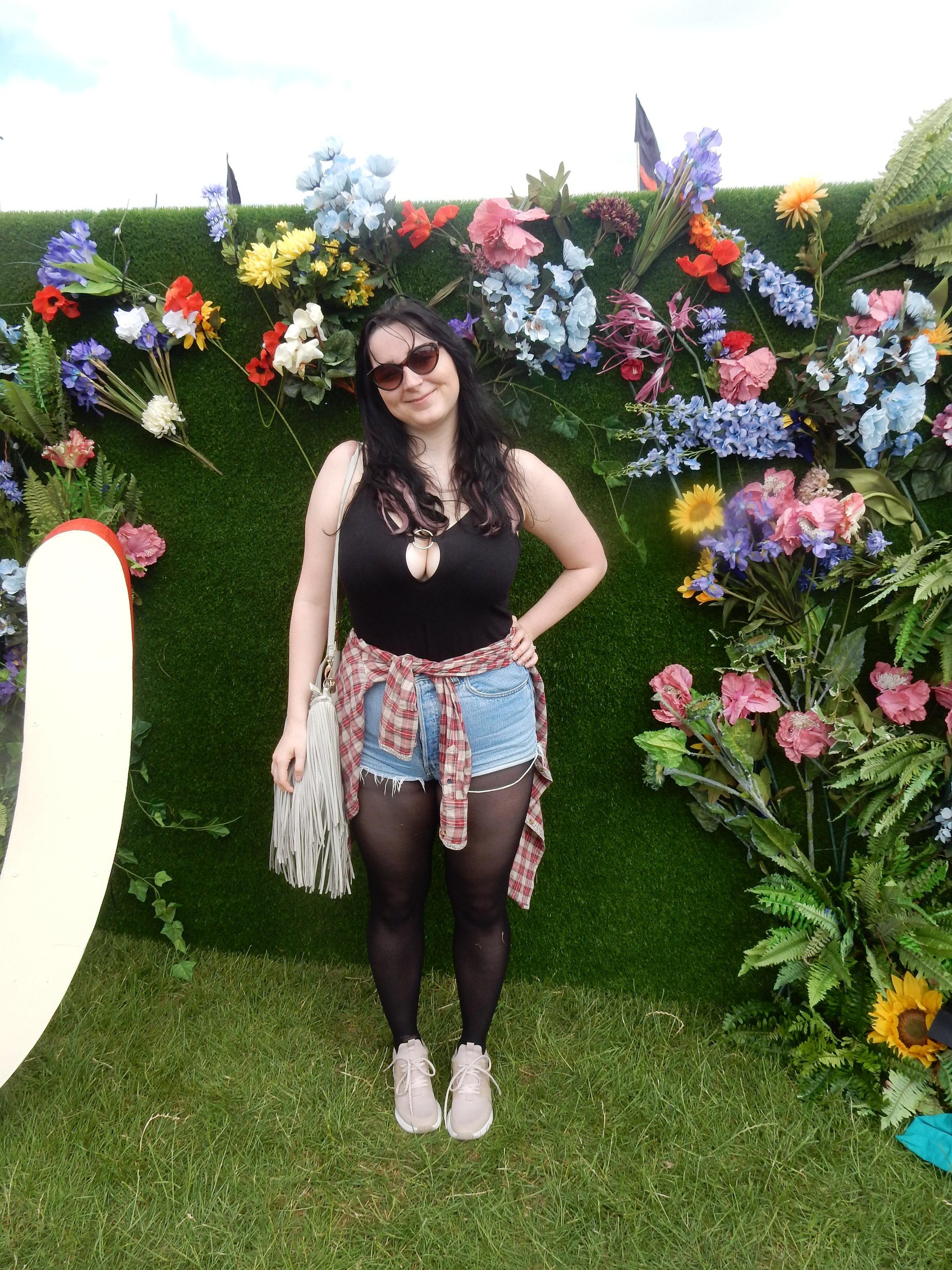 festival ootd fashion blogger