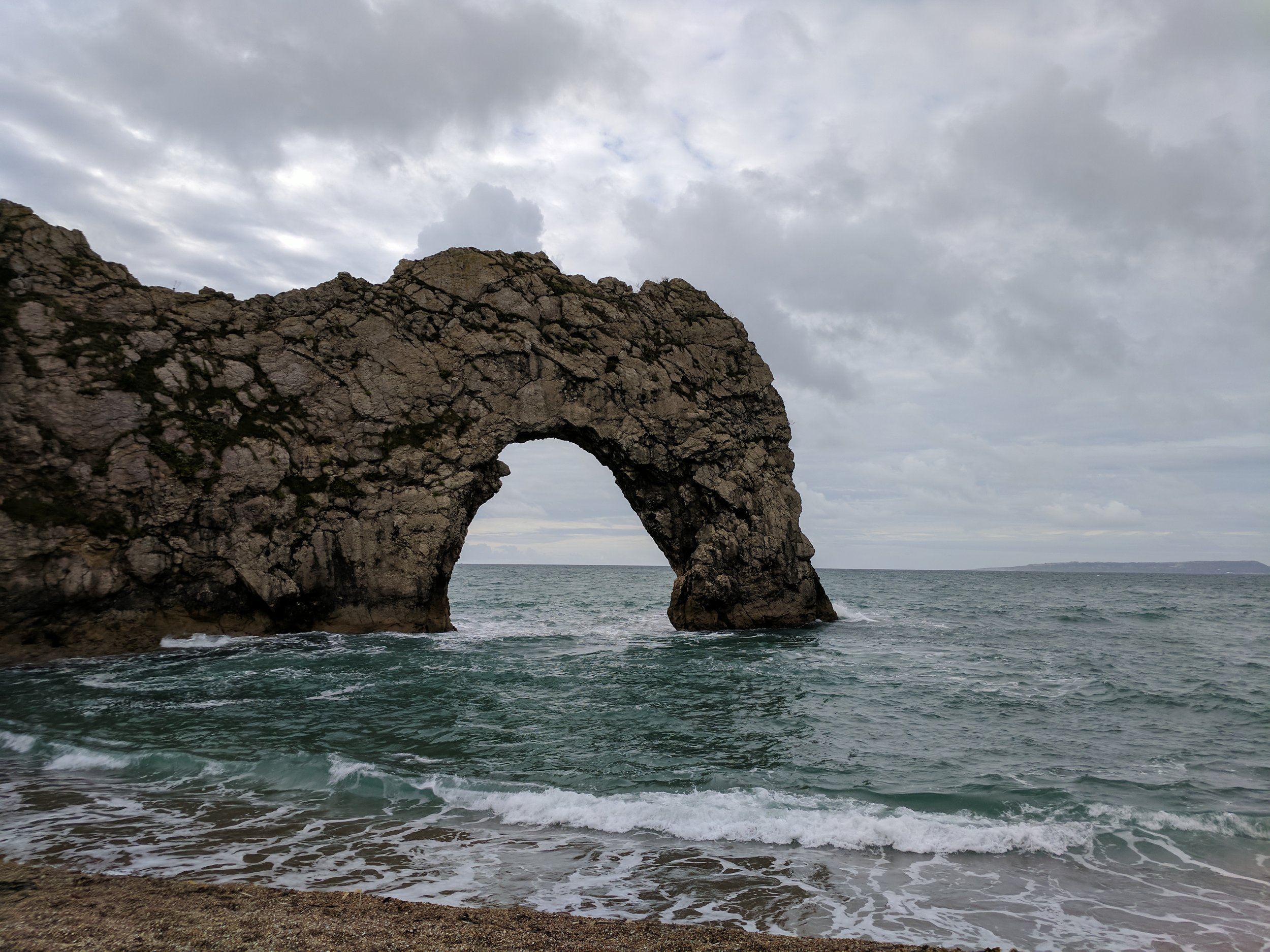 travel blogger durdle door