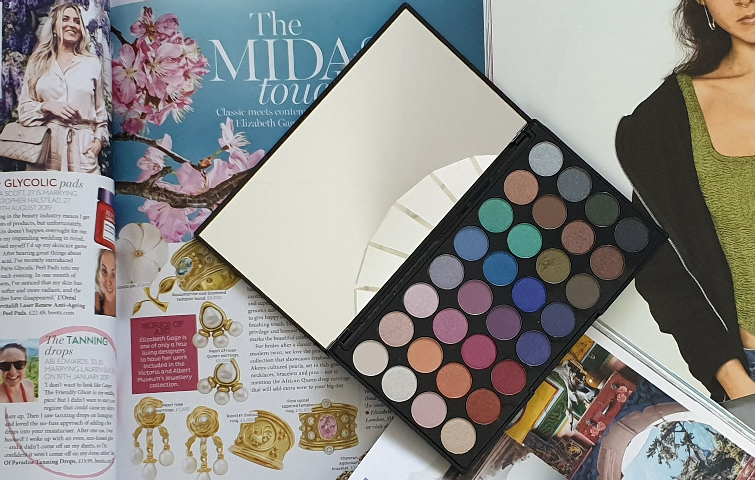 beauty blogger reviews makeup revolution mermaids forever eyeshadow palette