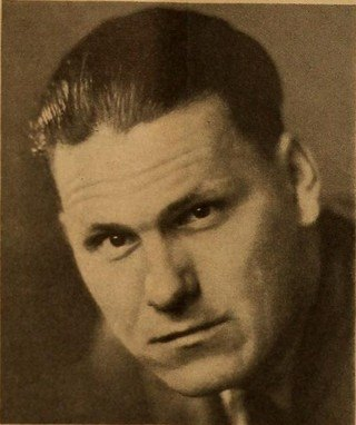 Warren appearing in  Motion Picture  magazine (July 1931)