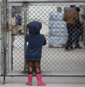 refugee_fence.png