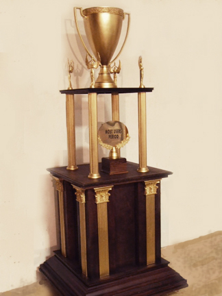 Giant trophy for MAC vs. PC commercial