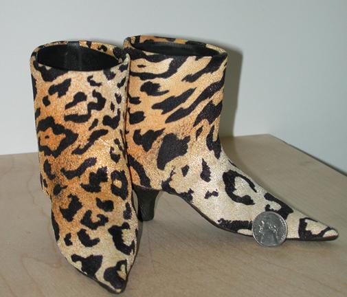 wierd little custom shoes for SNL