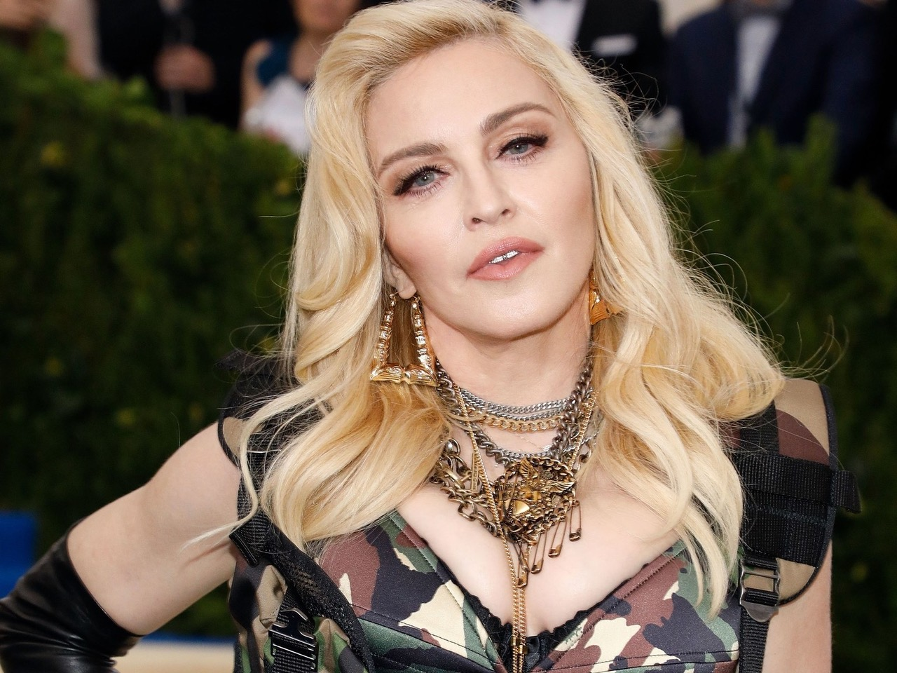 madonna-topless-instagram.jpeg