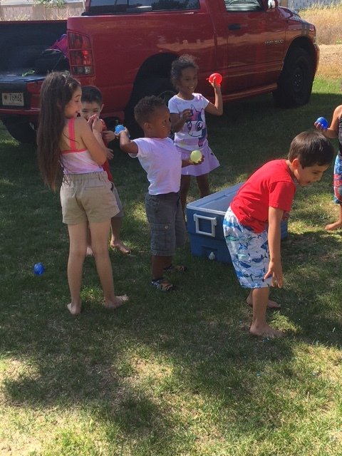 BirthdayParty-CraftonPark - kids with water balloons - 1.jpg