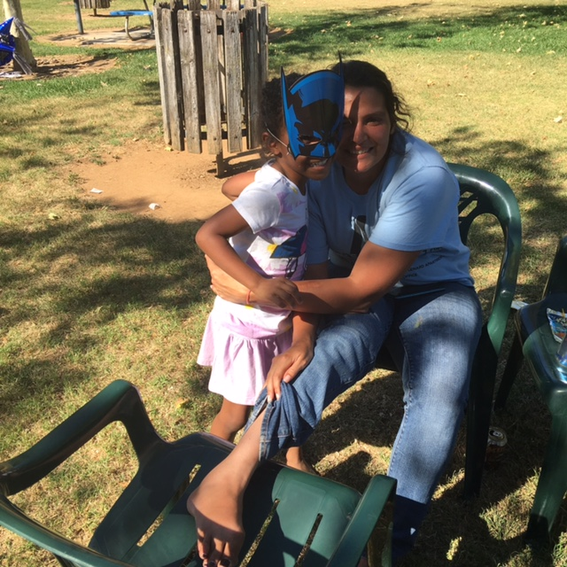 BirthdayParty-CraftonPark - mother and daughter in park.jpg