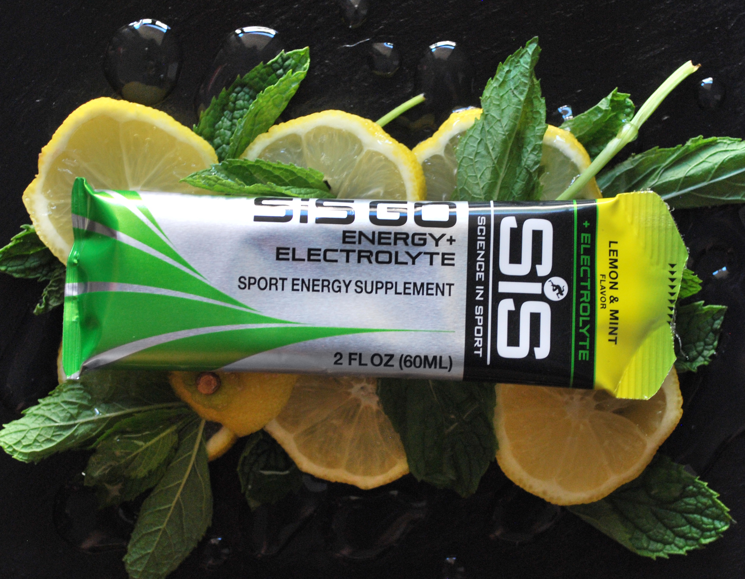 Fun with fuel. Lemon & Mint + Electrolyte by Science in Sport. © Photo and styling by Andrea Heser
