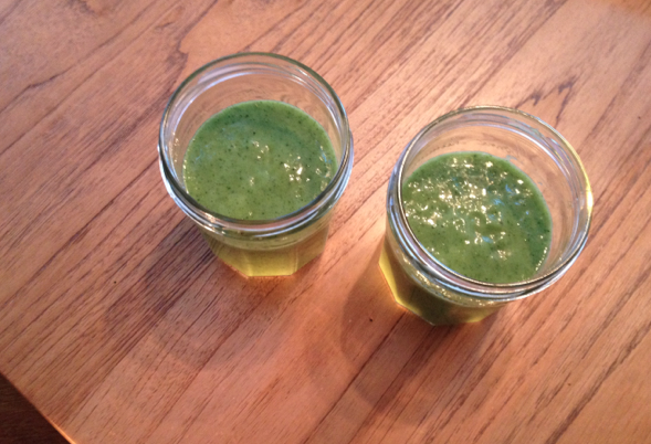 caroline's kitchen table - green smoothie