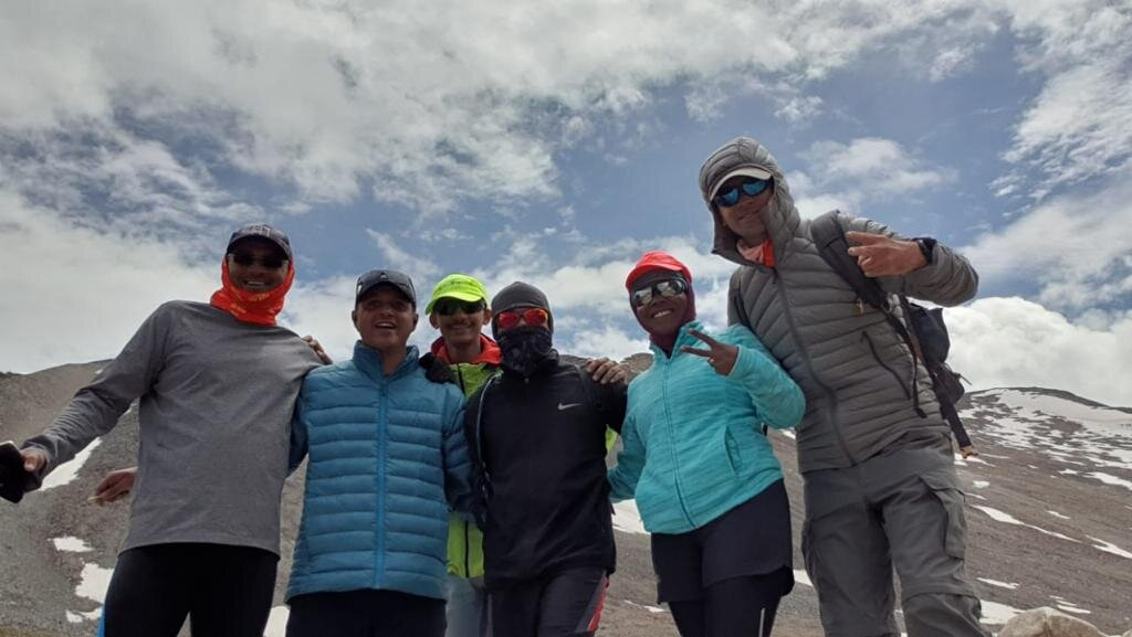 Sameer along with Wari-La gang on Wari-La top