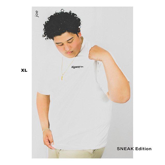 SNEAK Edition  Size: XL Available in S-3XL  Artist: @sneak_ecloud Model: @joeychich  shop TODAY online Link in bio . . .  #bigsexyinc #bigsexy #youdeservetofeelsexy #issexy #medium #unisex #artistedition #igstore #instastore #instafashion #normcore #streetwear #igurban #urban #urbanfashion #style #allamerican #apparel #bigsexyapparel #clothingstore #levis #plainwhitetee #summerstyle #ootd #ootdfashion #bodypositive #bopofashion