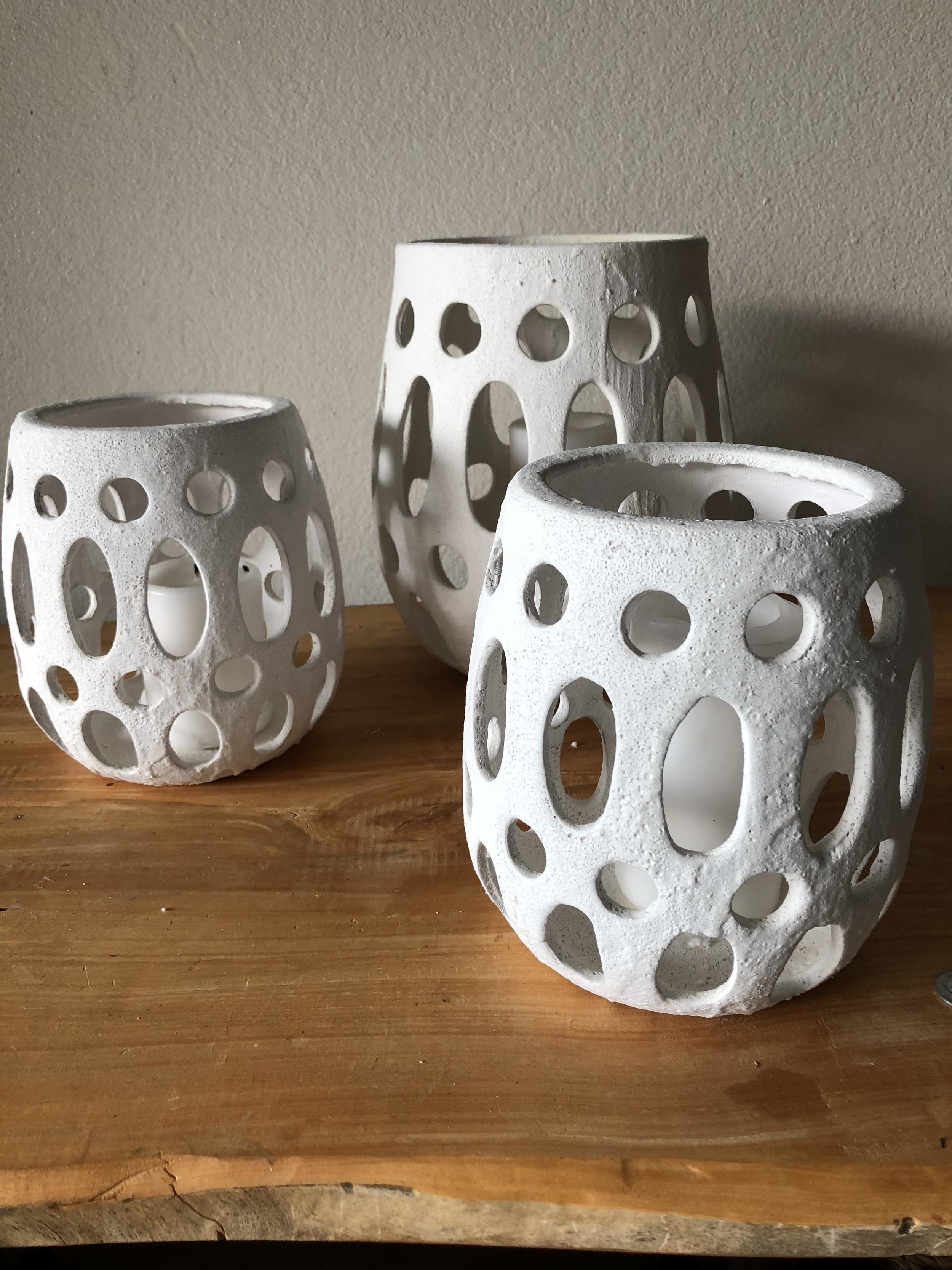 white ceramic lanterns.jpg