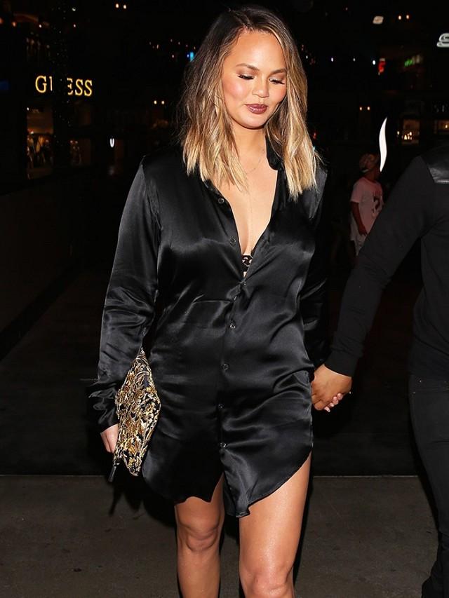 what-was-she-wearing-chrissy-teigen-yeezy-lucite-heels-2016-196658-1467250917-promo.640x0c.jpg