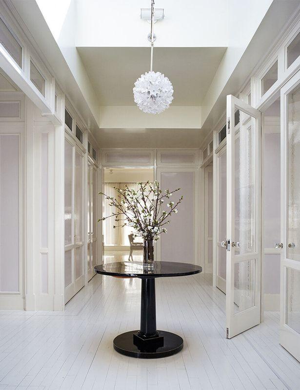 Gwyneth-Paltrows-white-NYC-apartment (1).jpg