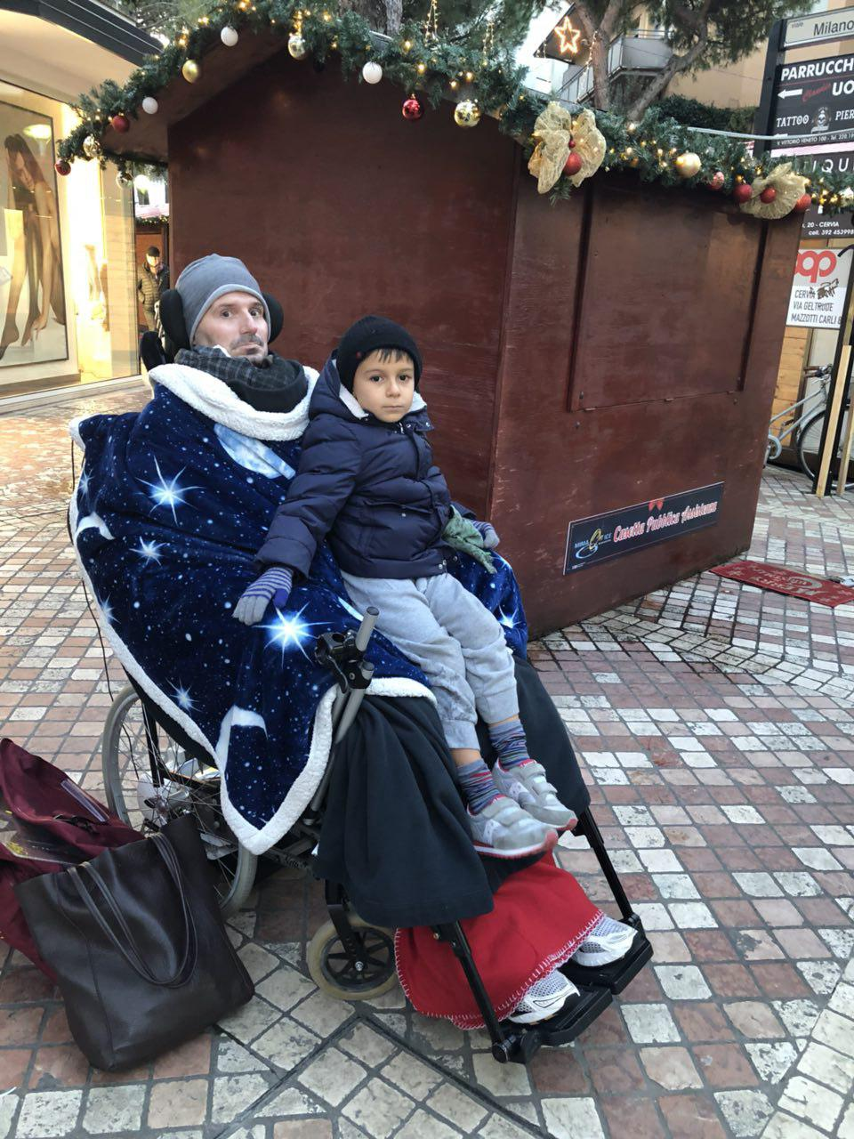 Fabio e Kekko casette di Natale.jpg