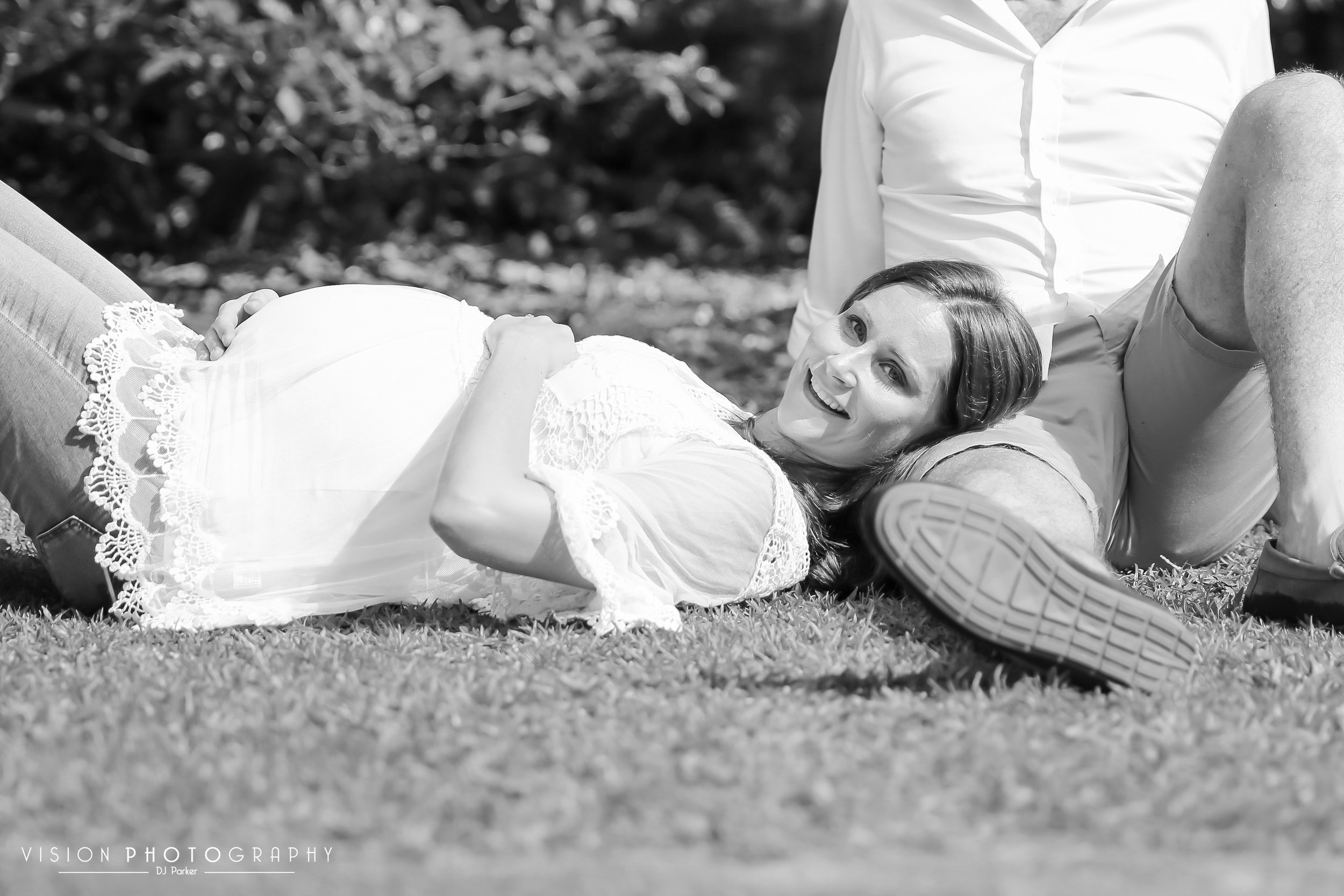 Outdoor maternity Botanic Gardens black and white