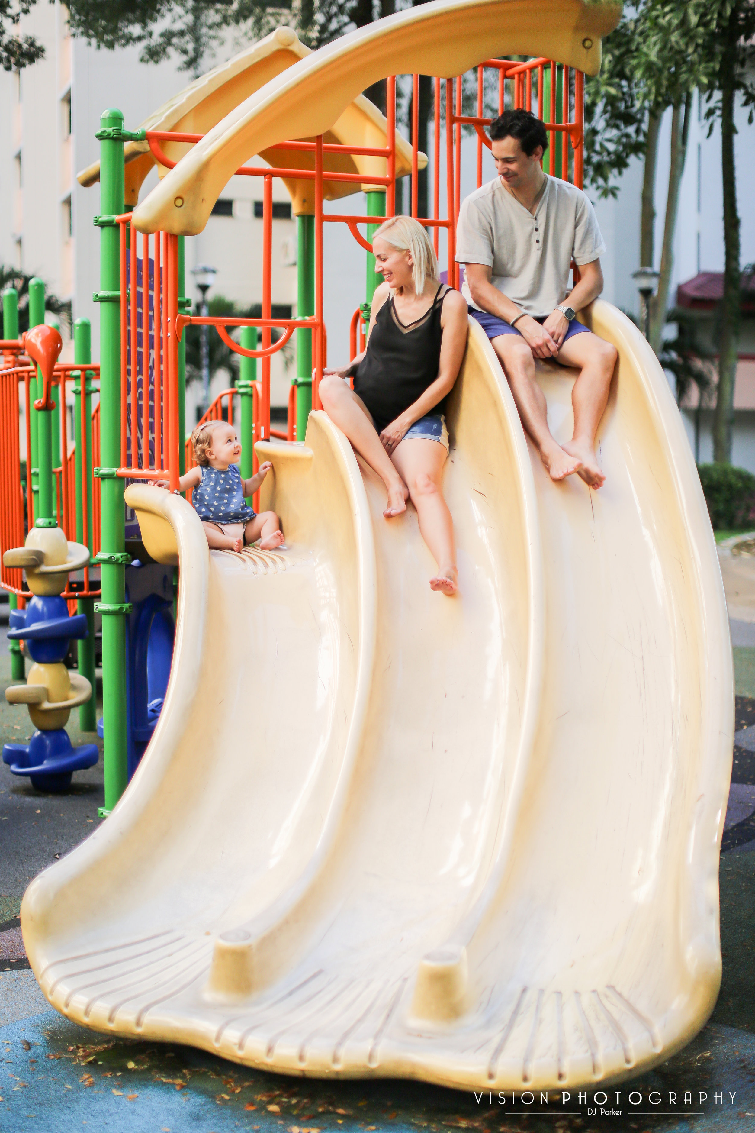 Outdoor sibling maternity playground