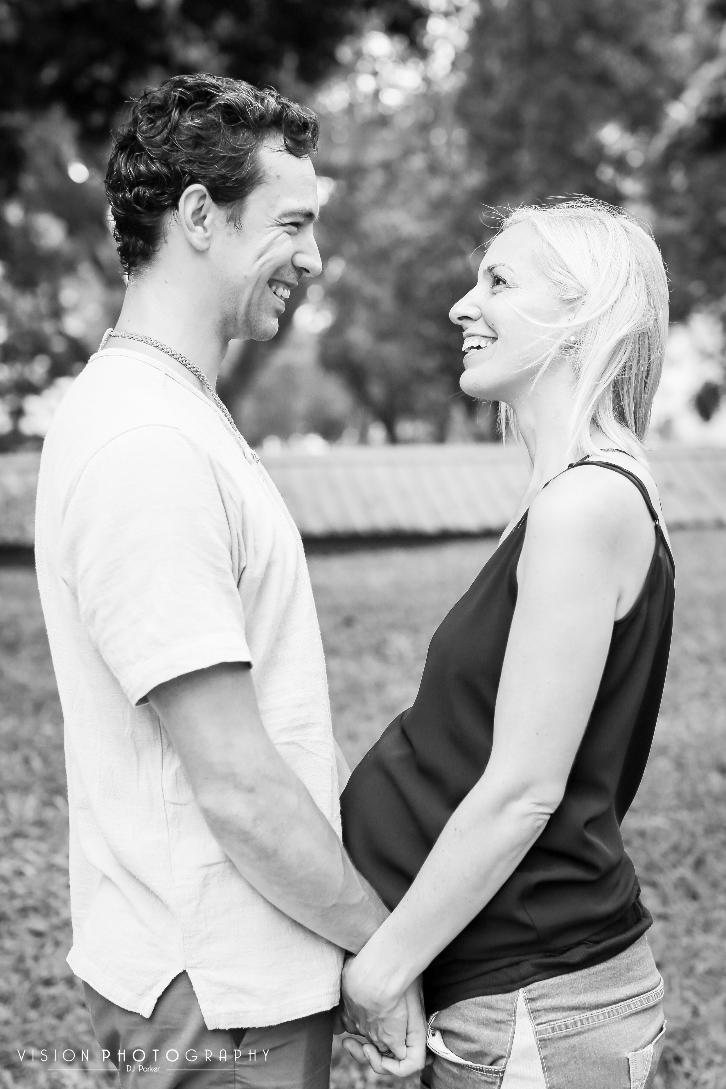 Outdoor sibling maternity black and white