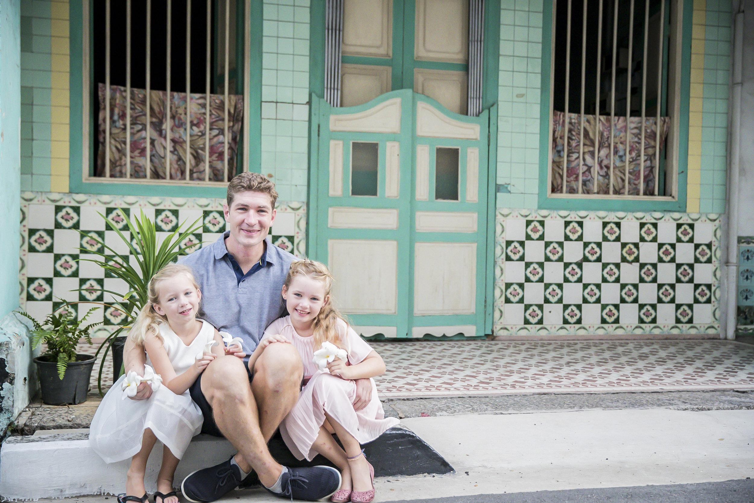 Family Photographer outdoor  Singapore Vision Photography Daniel Parker