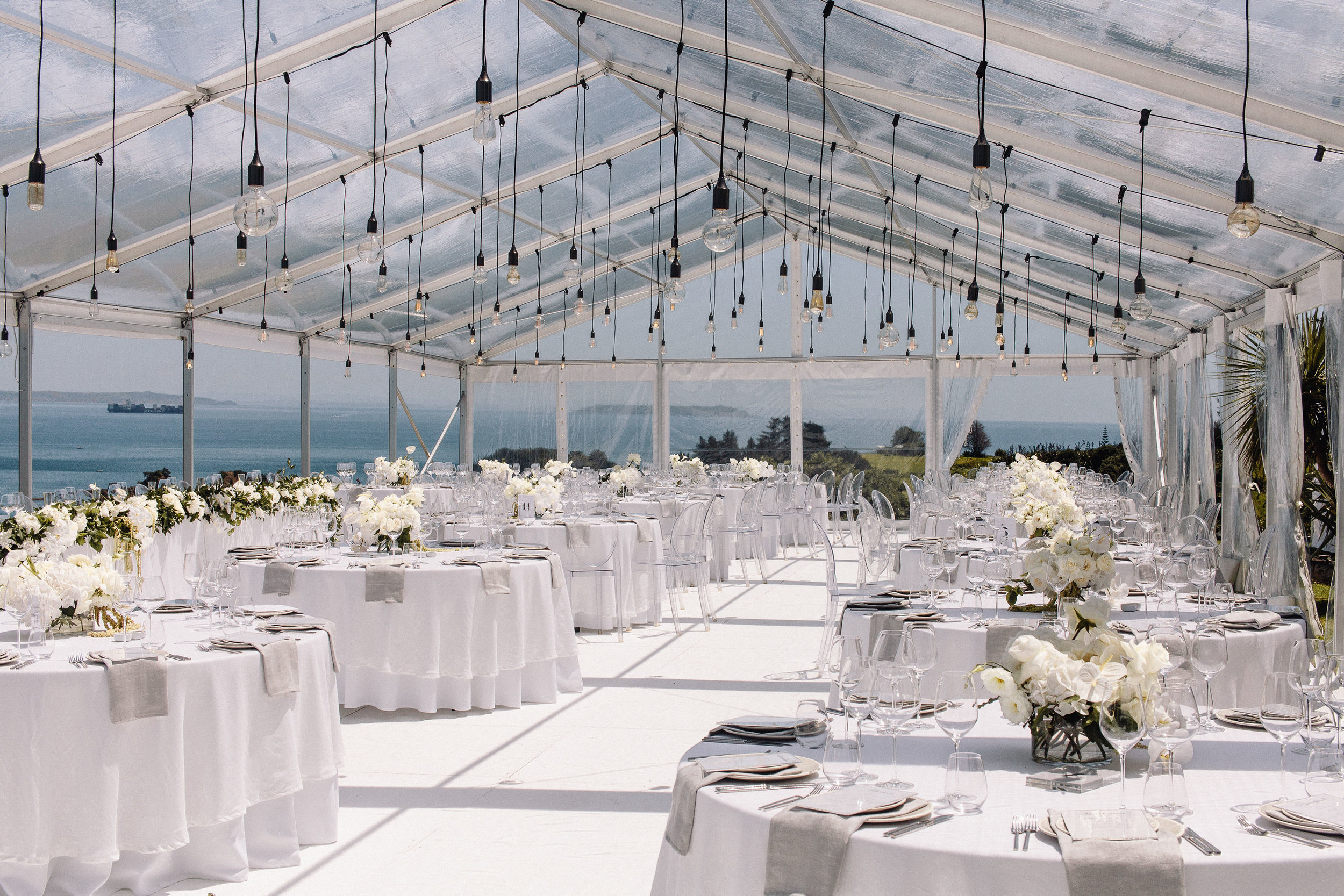 Sky Napkins & Snow Table Cloths