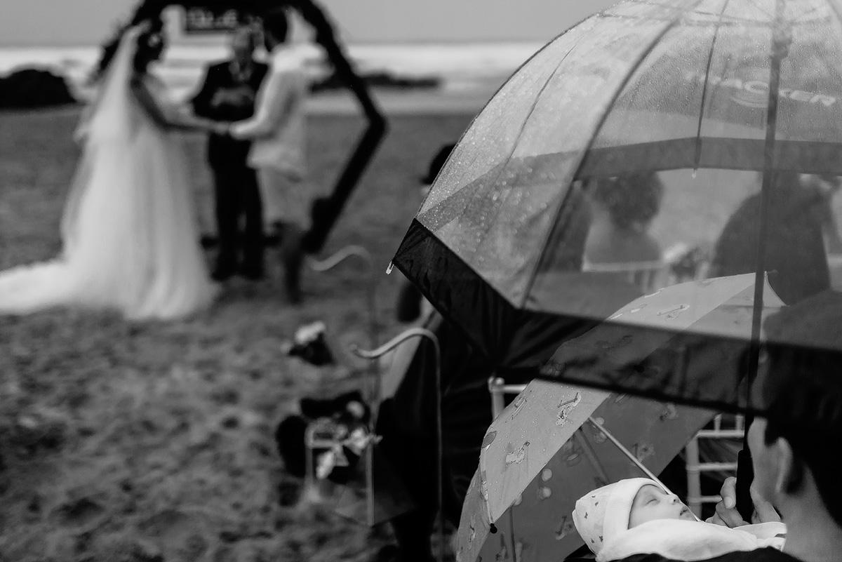 Rainy Beach Wedding - Uwes & Cindy