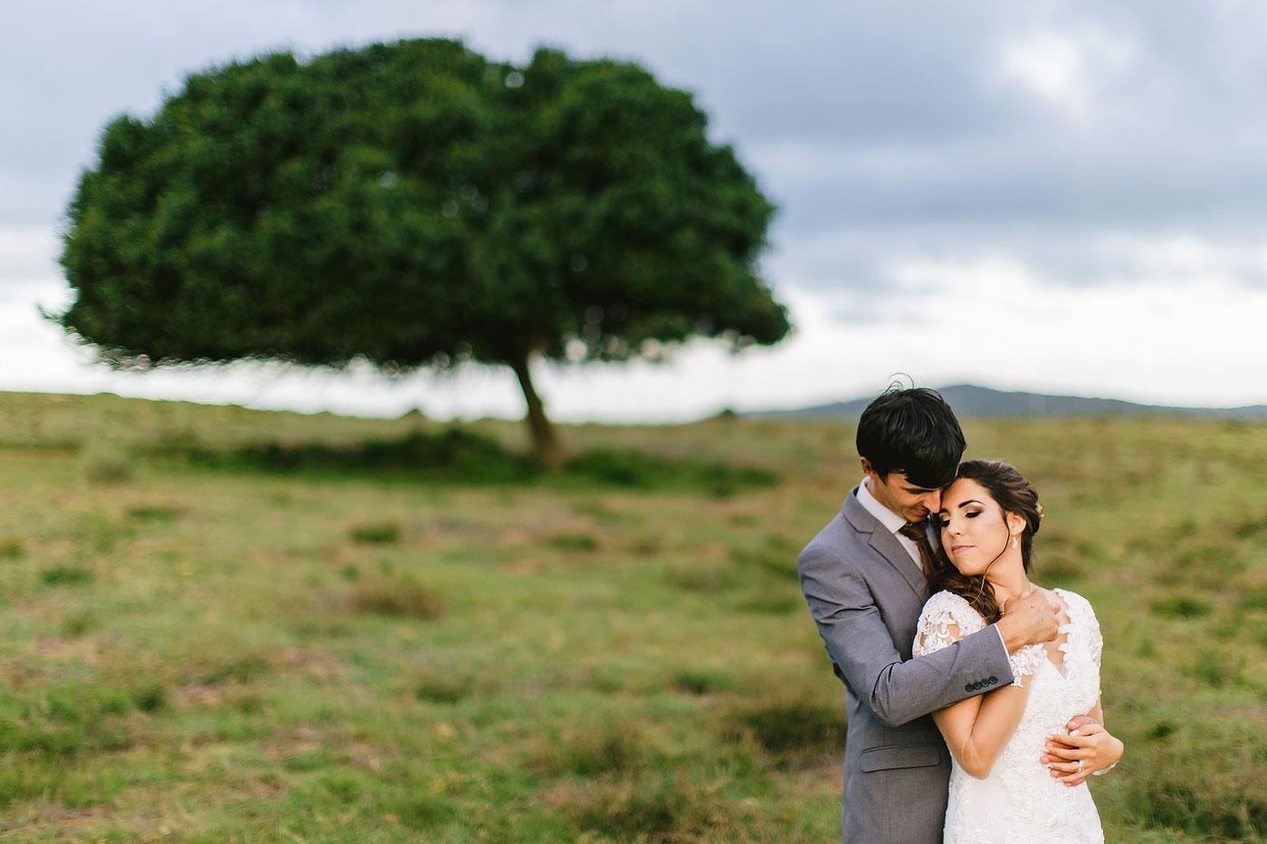 Natural Wedding Pose