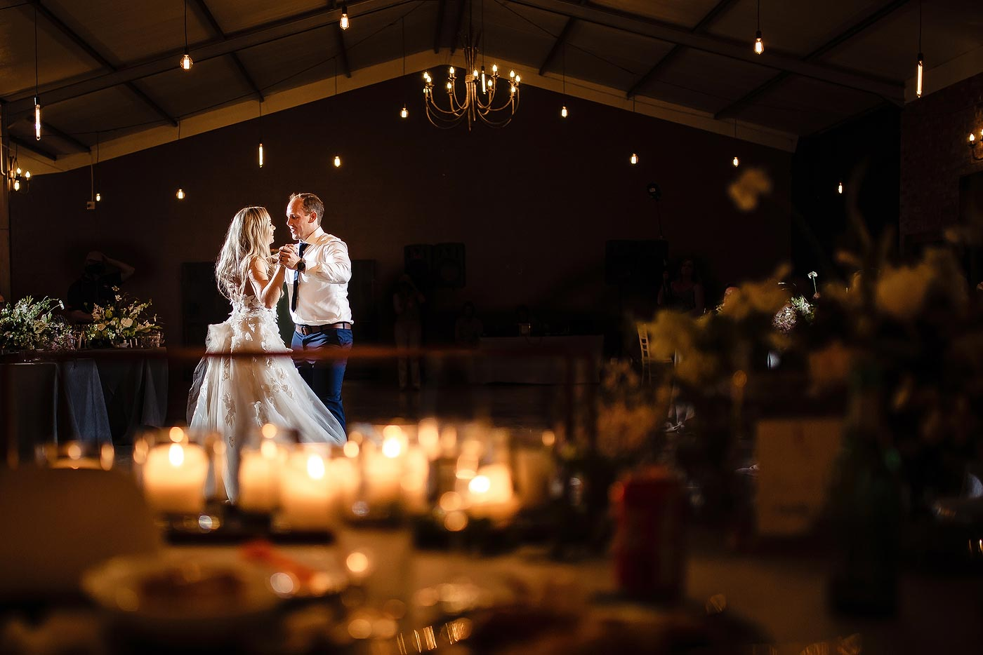 Classic and creative wedding first dance with bridal couple