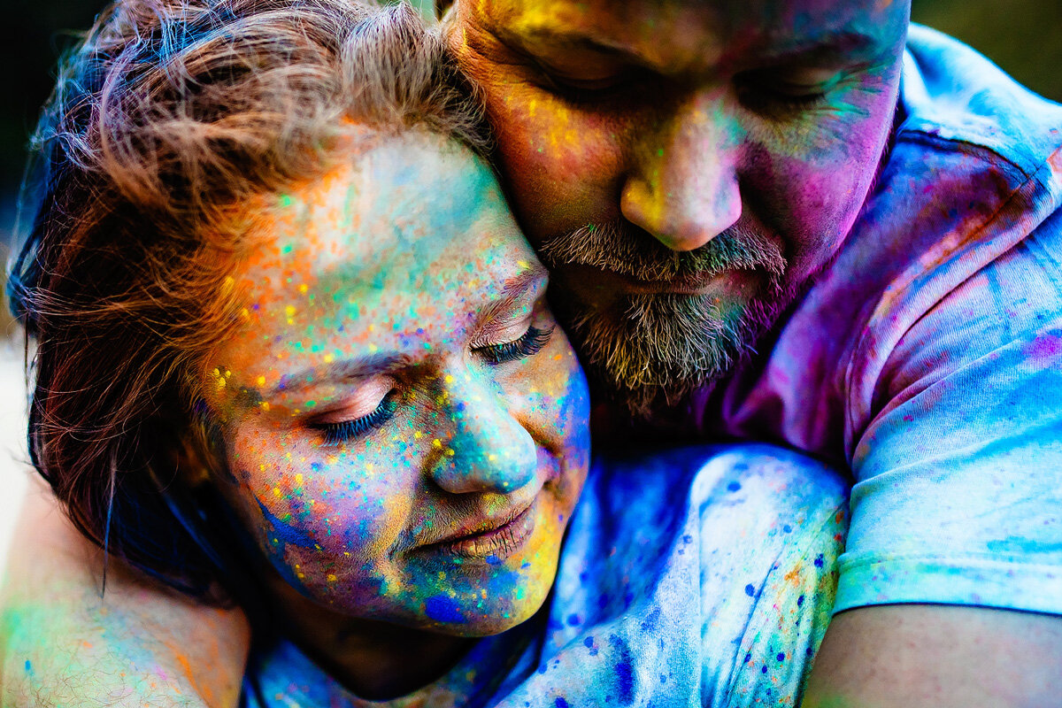 Creative and colourful couple portraits with powder paint
