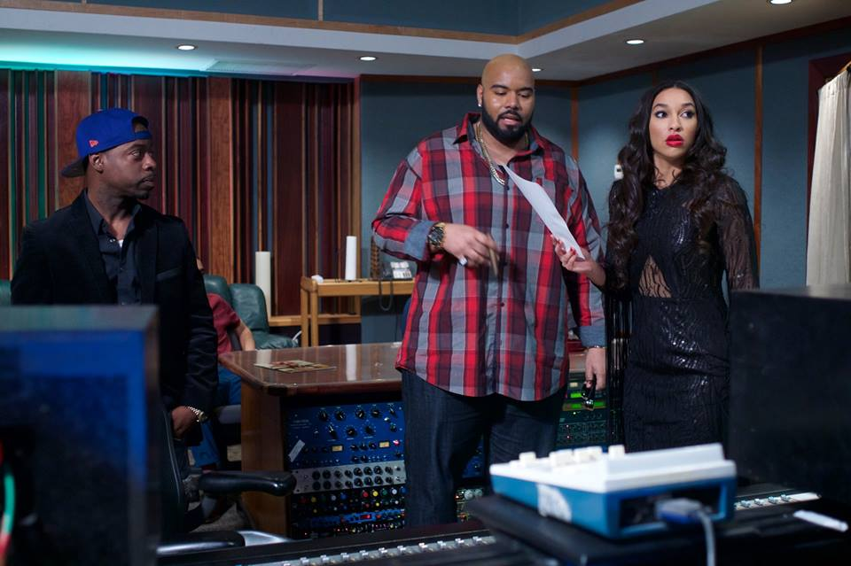 "SG Magazine CEO DAZE (left) Dominic Santana as ""Suge Knight"" (center) KaraElyse (right)  Check out our interview with Dominique Santana as Suge Knight  https://soundcloud.com/milliondollarmindset/dominicsantanamilliondollarmindset"