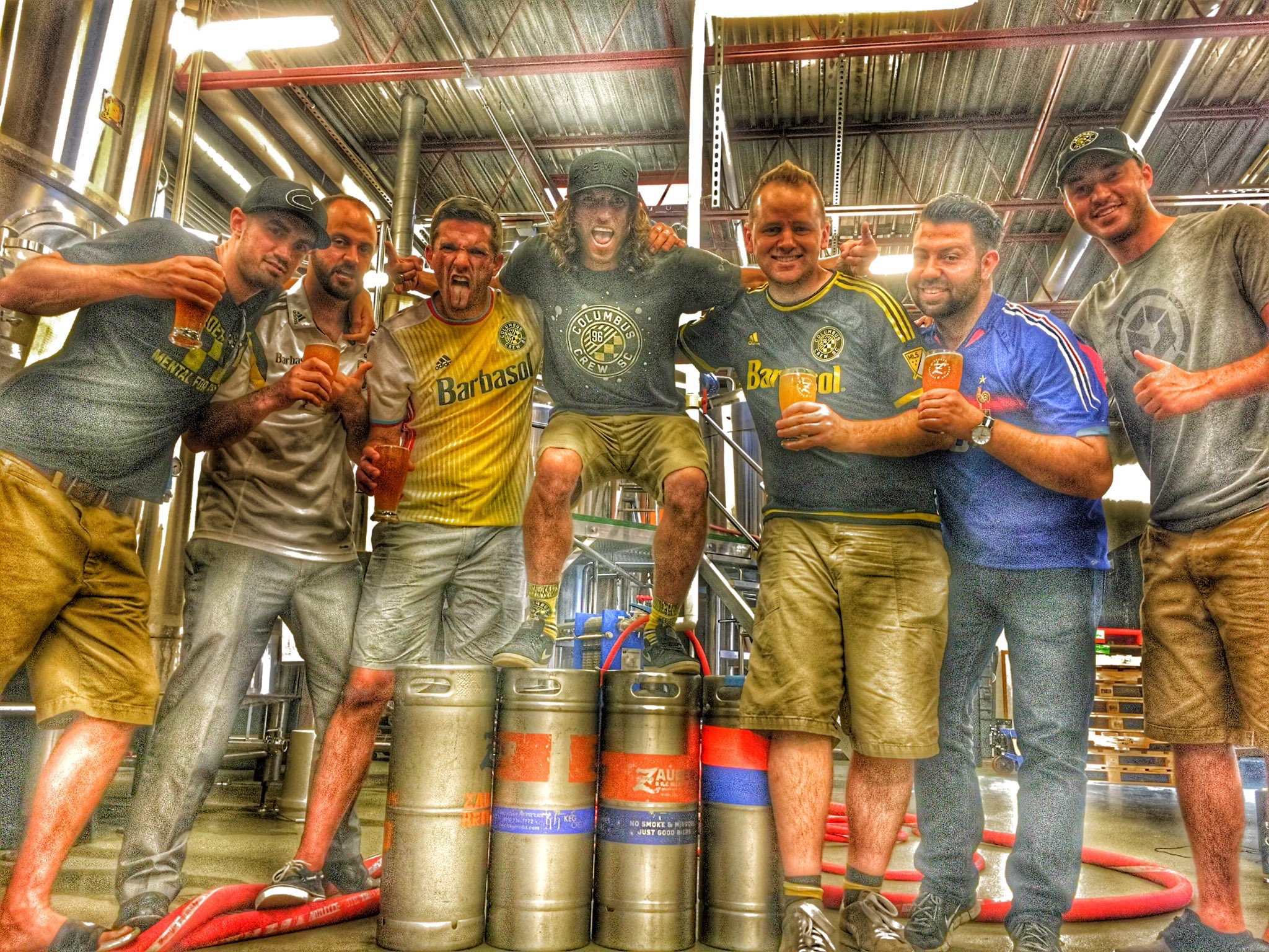 Frankie and six shitlords at Zauber Brewing