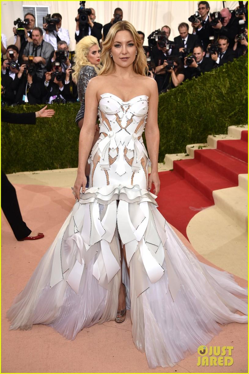 Kate Hudson Met Gala Look