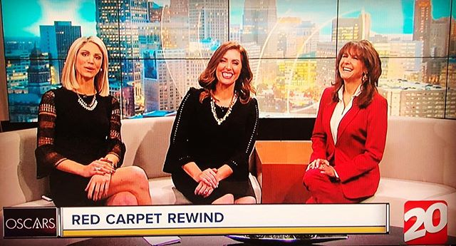 Always look forward to the annual Oscar red carpet recap with the lovely ladies from WXYZ Ch 20 @wxyzalicia @annmarielaflamme dishing fashion and glamorous gowns! #oscarredcarpet #oscarfashion #fashionblogger #wxyzdetroit #redcarpetdress #redcarpetrecap