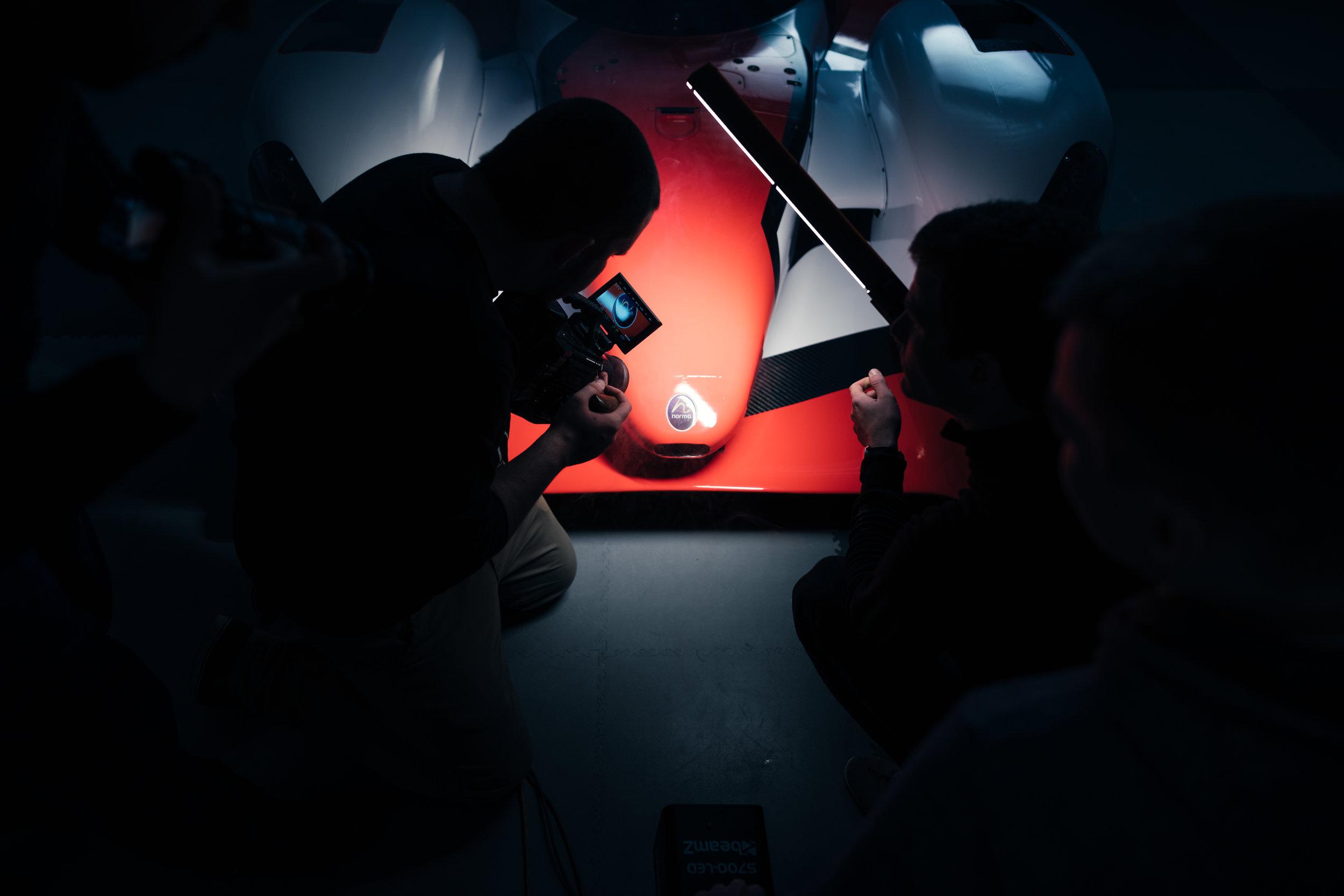 light-red-cameras.jpg