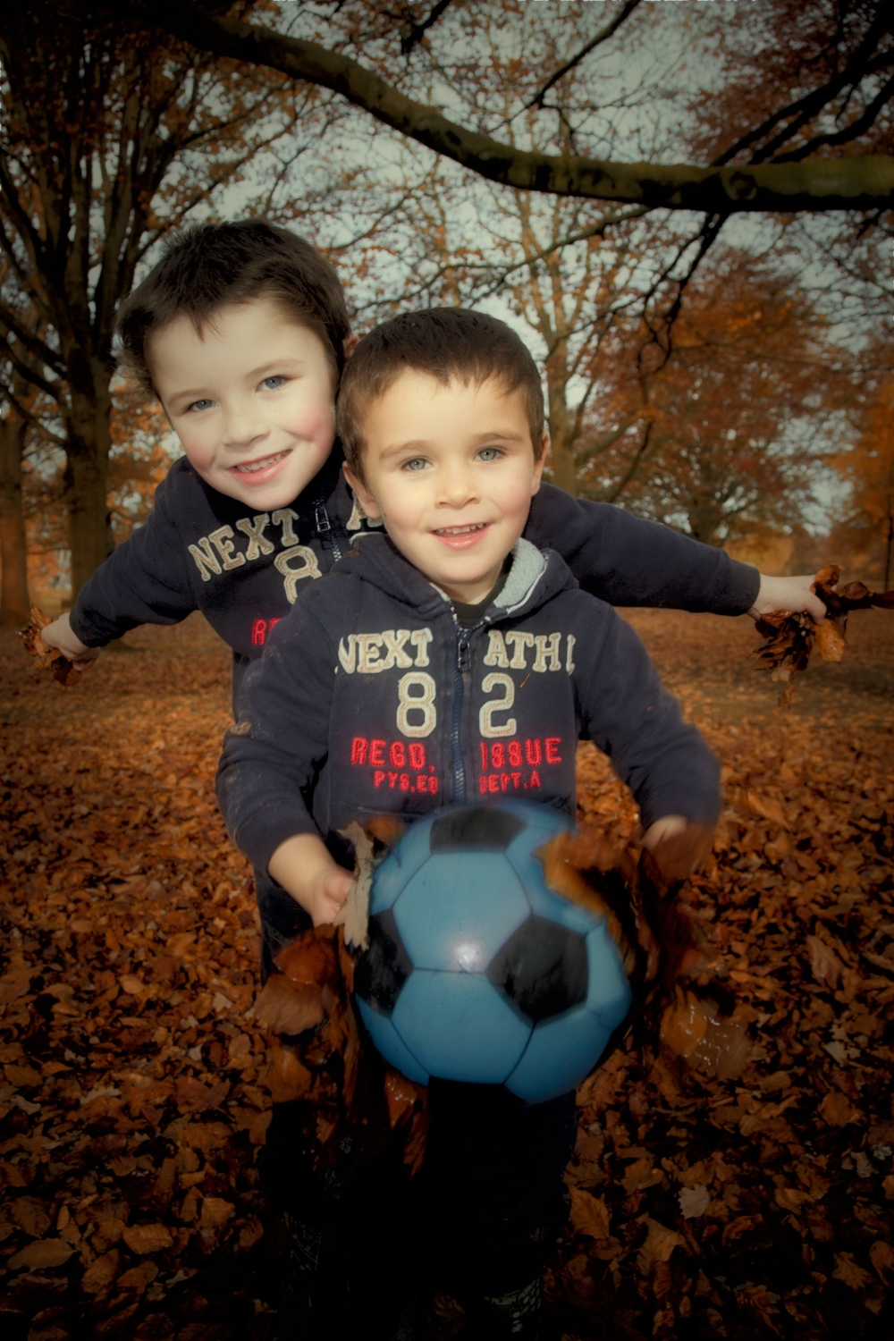 Lucria Creative, Wayne Hudson, Autumn family photography, Coventry, Warwickshire