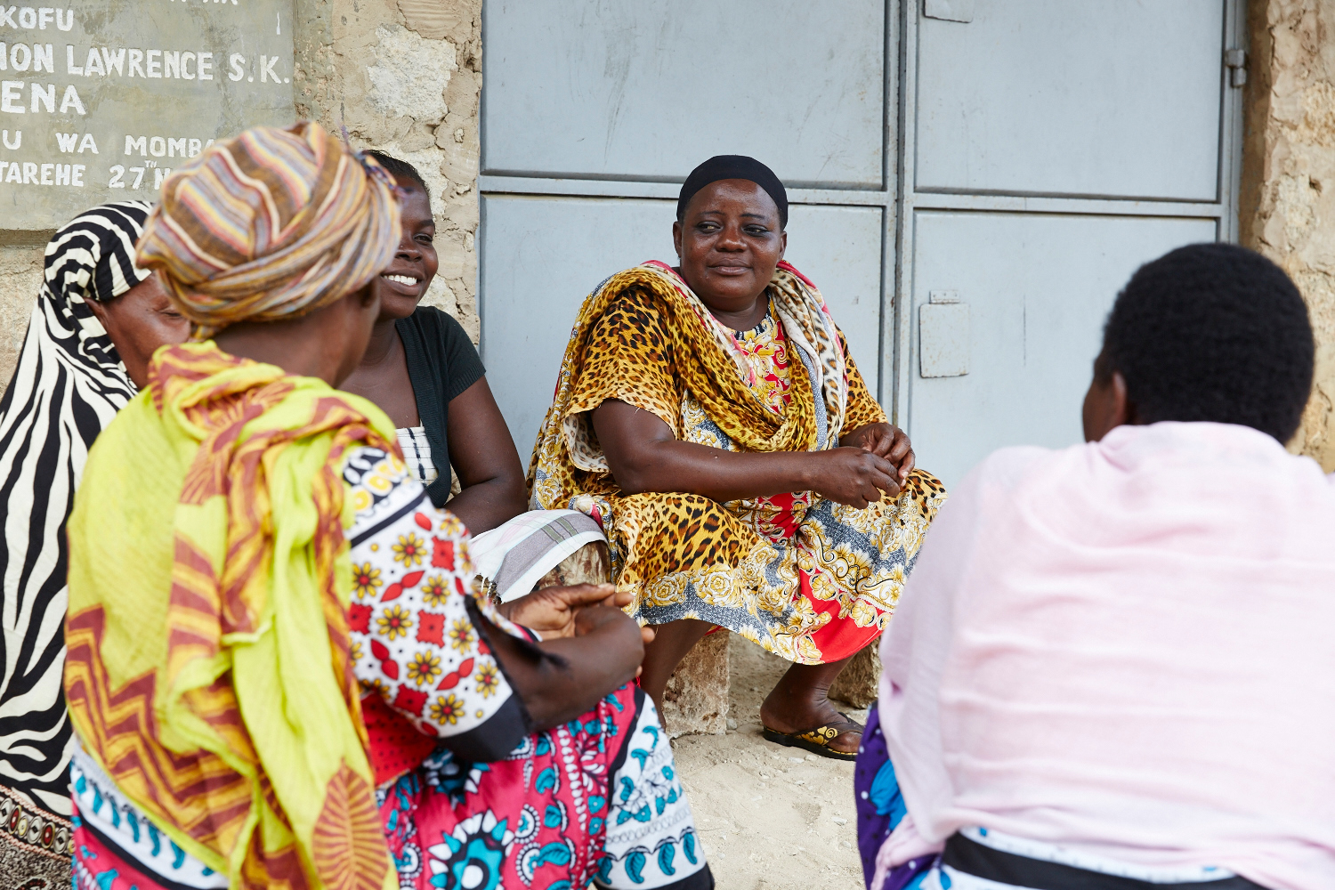 Fatuma Faraji Leli, chairlady of the Mwakirunge Sauti ya Wanawake (The Voice of Women) meets with other members to discuss gender based violence issues, and cases they are supporting. Mwakirunge, Mombasa, June 2016