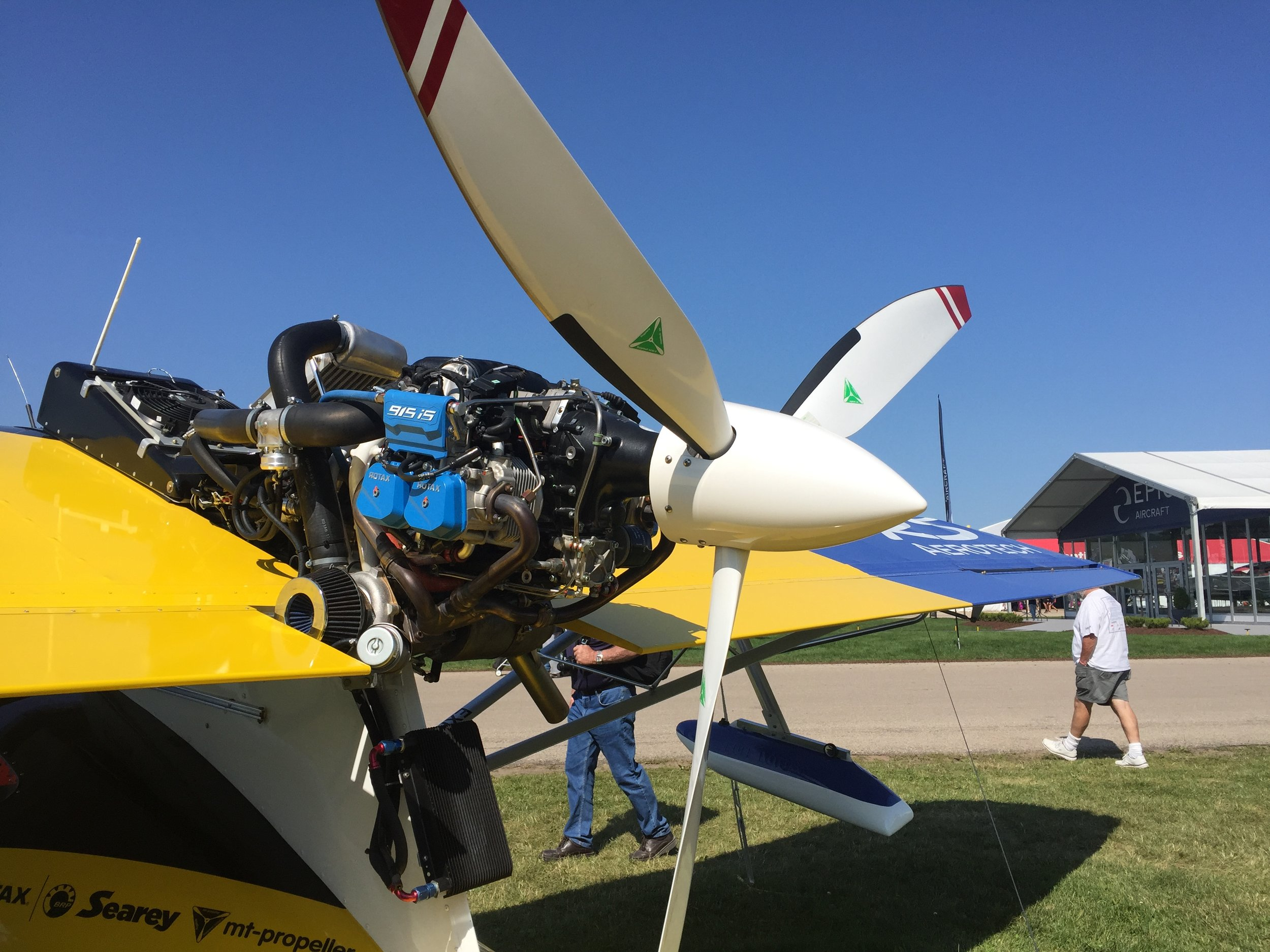 """Variable Pitch, 63""""OD, 3-Bladed MT-Propeller driven by ROTAX's 915 iS Engine on Searey's Amphibian LSA"""