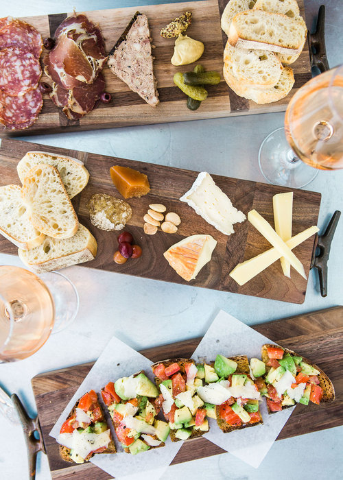 ZINQUÉ (zin-kae)  Waterfront Food and Wine Bar
