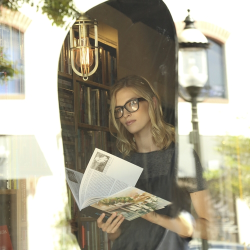 LIDO VILLAGE BOOKS  Books and International Magazines